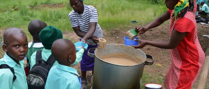 parents who volunteer to cook2